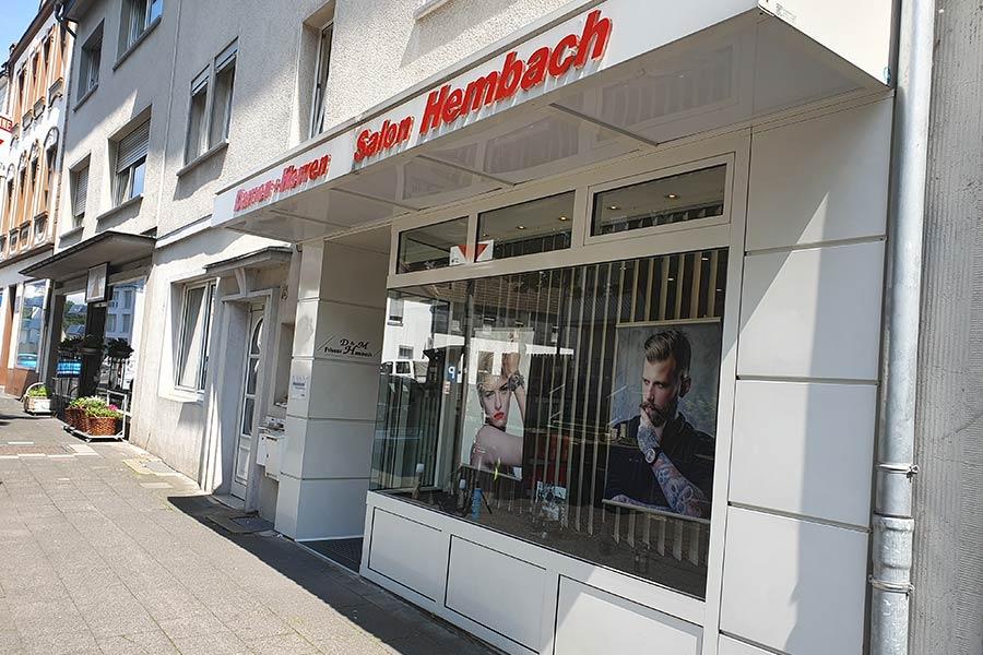 Schaufenster von Friseur Hembach